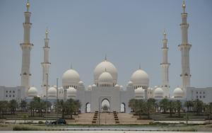 Thumbnail for Visit Abu Dhabi's Sheikh Zayed Mosque